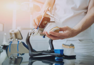 what is a dental technician
