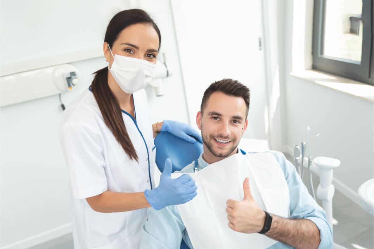 5 Dental Risks On Swelling After Tooth Extraction (Why Is It A Concern?)
