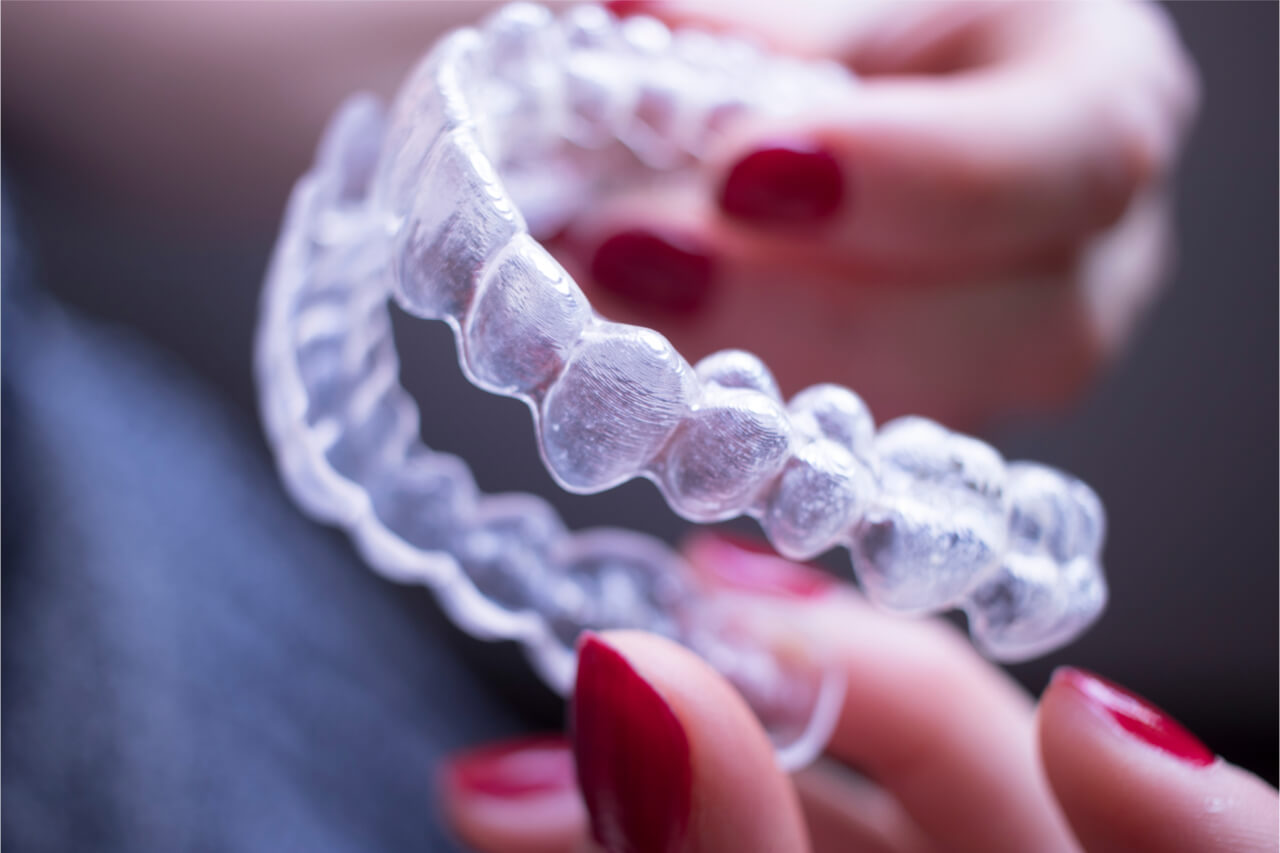 how to clean invisalign aligners